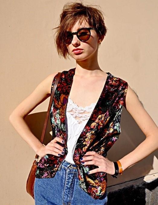 Модная и красивая одежда в стиле винтаж