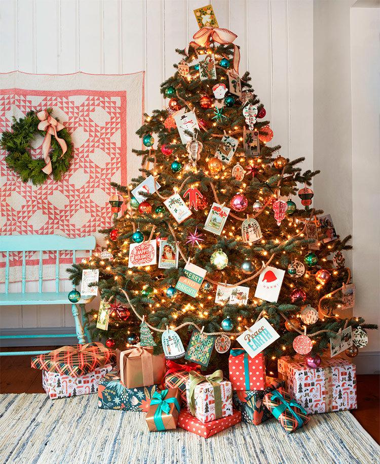 наряженные новогодние елки, варианты украшения новогодней елки, украшение новогодней елки фото, примеры украшения новогодних елок, стили украшения новогодней елки
