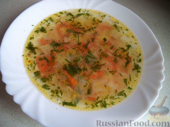 Суп из капусты, картофеля, моркови, луковицы и помидоров