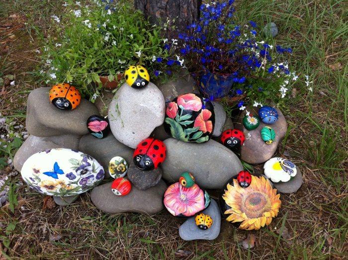 Рисунки на камнях своими руками для сада