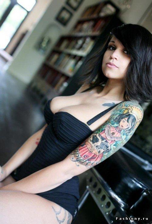 'НЕ женские' тату на женских телах / татуировки сердечко на шее женские фото