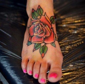 татуировки для девушек на ноге фото