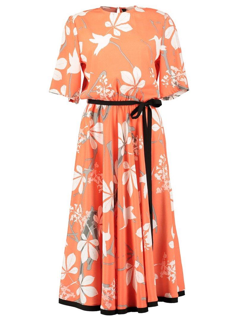 Платье с подолом на резинке