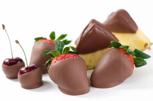 Готовим фрукты в шоколаде — изысканный десерт