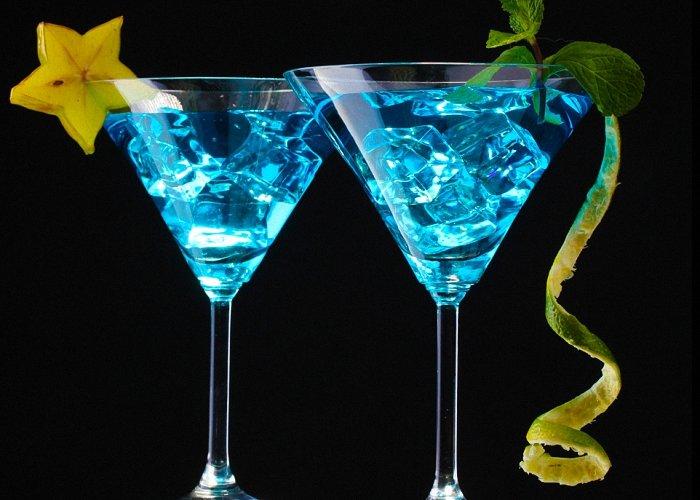 Коктейли с «Блю Кюрасао»: рецепты алкогольных коктейлей на основе ликера «Кюрасао»