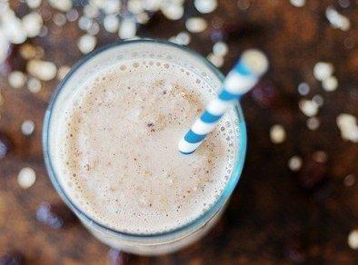 молочный коктейль с изюмом