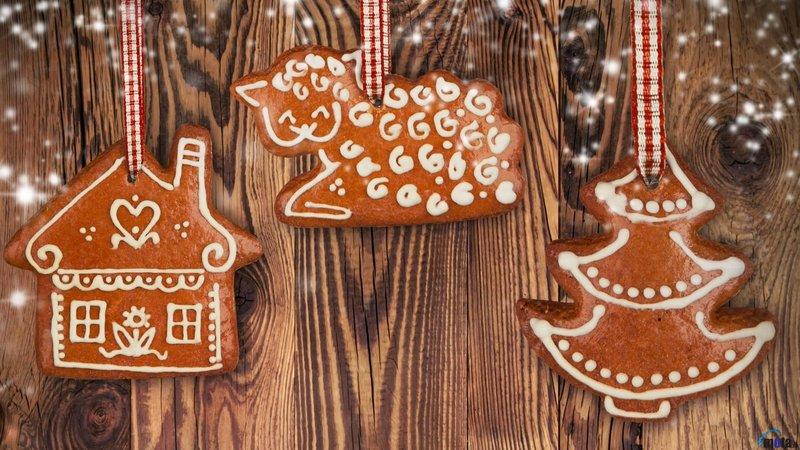 Обои для рабочего стола Фигурное имбирное печенье на елку