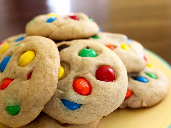 песочное печенье с M&M's