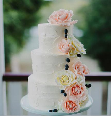 Свадебные торты: двухъярусные, трехъярусные, шикарные, необычные. Свадебный торт из марципана Киев, цена, стоимость, фото - CupCake