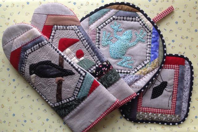"""Тихая комната: Кухонный набор """"Чёртова бабушка"""": аппликация на ткани, лоскутное шитьё, стёжка."""