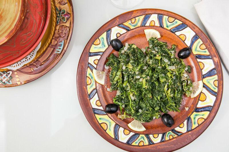 Жареный шпинат с орехами - рецепт - как приготовить - ингредиенты, состав, время приготовления - Леди Mail.Ru