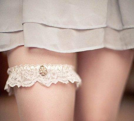 Аксессуары: Всевозможные подвязки и цветные туфли в свадебном образе! - Леди в тренде на Леди Mail.Ru - Philips