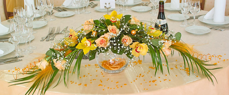 """Дизайн-студия """"NOMMO"""" - Оформление праздников - день рождения, украшение банкетного зала, цветочные композиции из роз и орхидей - © Наталья Анурченкова"""