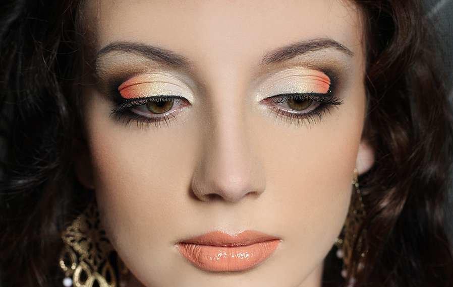 Как макияж меняет людей фото основном