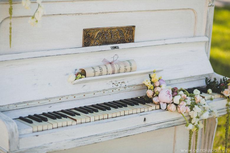 красивая выездная регистрация церемония минск пианино