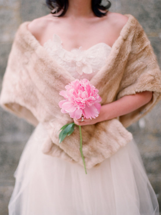 Накидки для осеннего наряда невесты