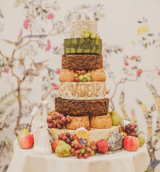 Необычные свадебные торты из сыра и мяса