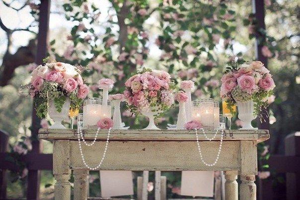 оформление стола жениха и невесты в стиле шебби шик