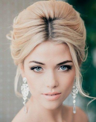 Самые модные свадебные прически и макияж 2014 - 30 фото!