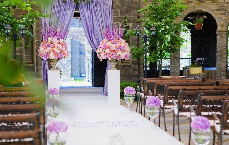 Свадьба в средневековом замке недалеко от Москвы - официальный сайт агентства «Привилегия»Привилегия