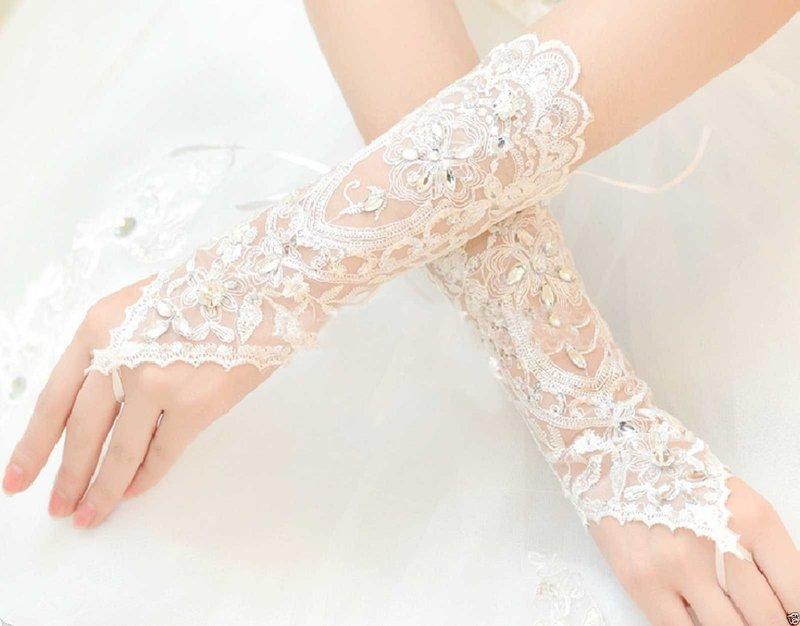 Свадебные аксессуары к платью: что и как выбрать?