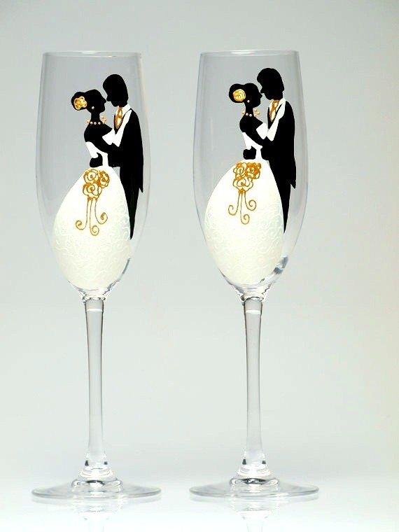 Свадебные бокалы с романтичным рисунком