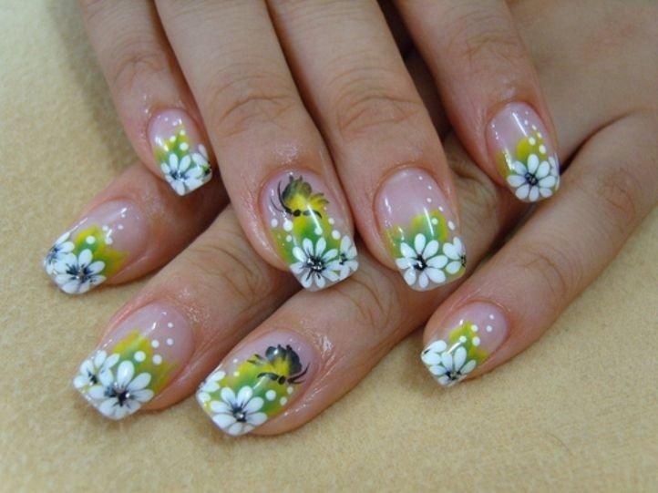 Маникюр с цветами - ромашки акриловыми красками на ногтях