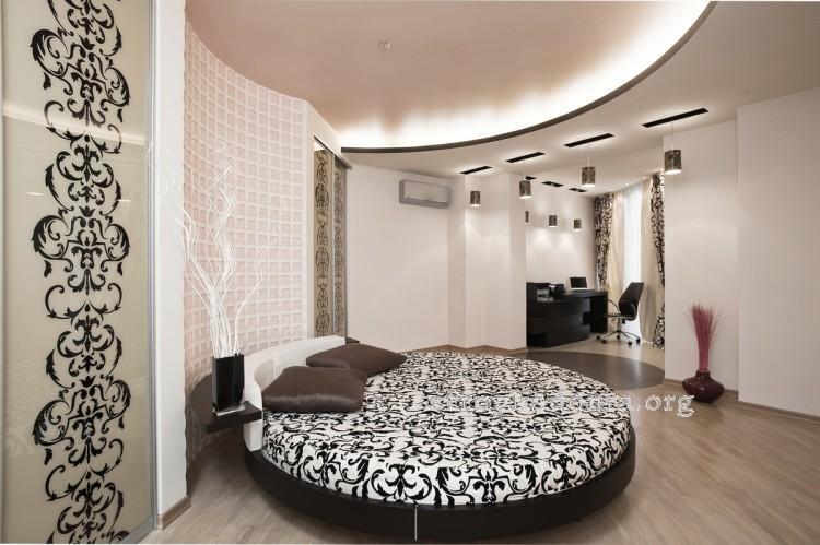Интересные варианты дизайна интерьера маленькой спальни.