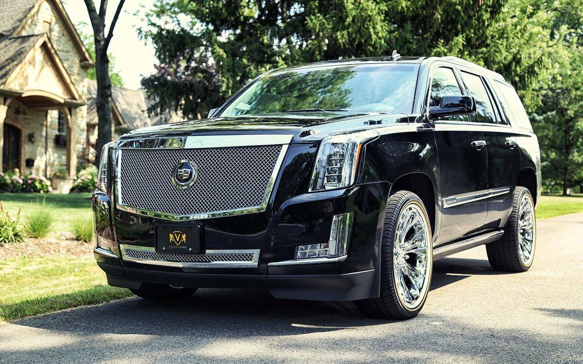 Cadillac Escalade на дорогаÑ