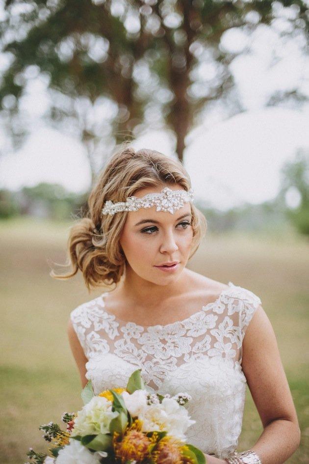 Прическа на венчание фото