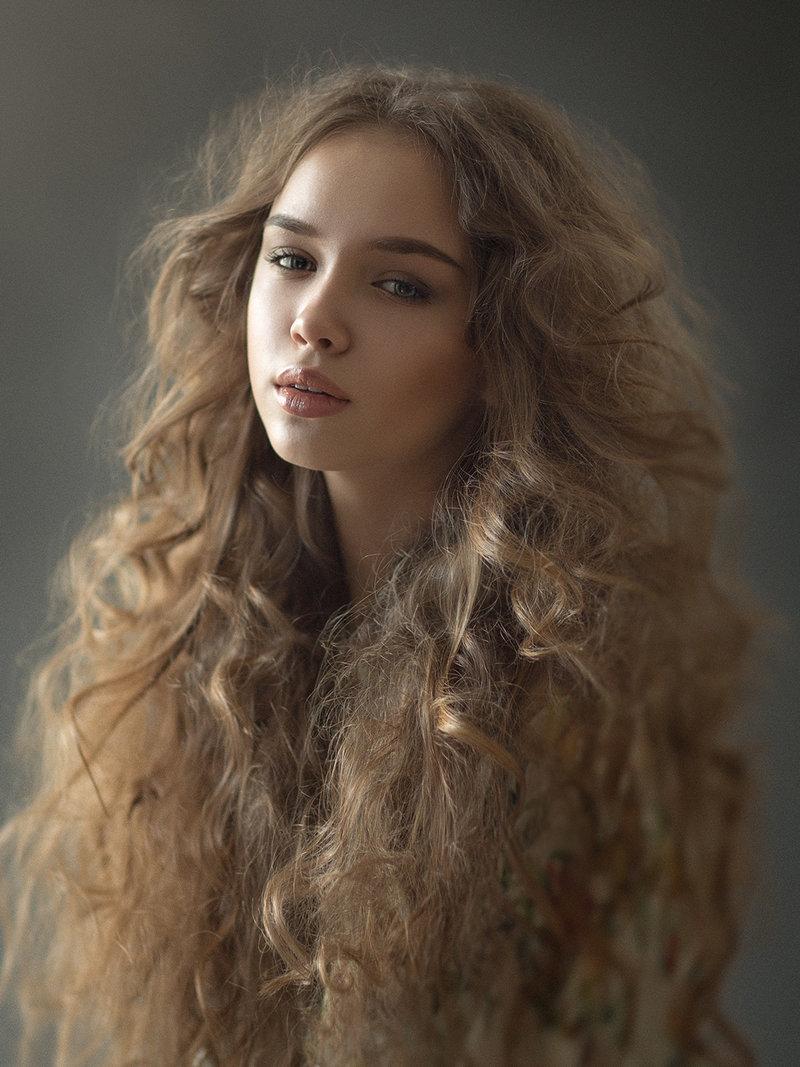 make-up/hair: Ania Makushine