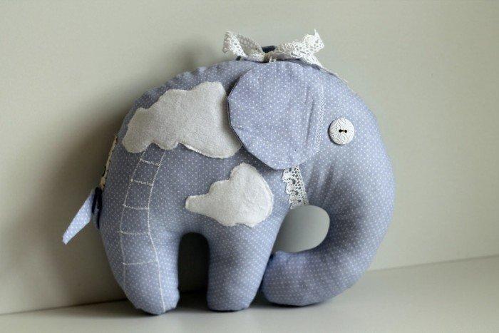 10 простых идей игрушек своими руками. Игрушки для детей своими ... Мягкая большая сова может быть не только игрушкой, но и подушкой. 72fef6b22ac40469960f4358ff51644b