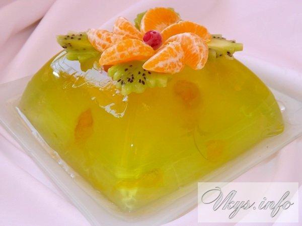 Десерт желейный с фруктами