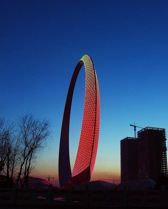Кольцо жизни (Ring of Life) в городе Фушунь, Китай