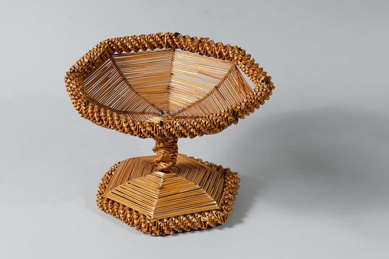 Ржаную соломку как поделочный материал стали использовать на Вятке в XIX веке. У такой соломки ровный стебель с длинными междоузлиями