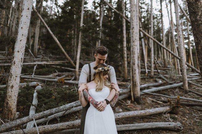 Оригинальная свадьба только для двоих в суровой местности