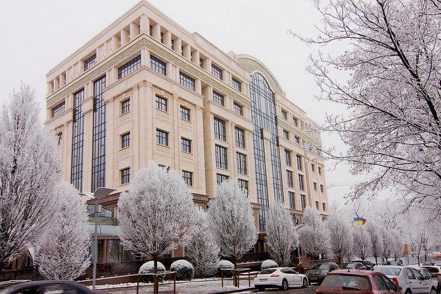 Архитектура  Донецка – явление сложное и многогранное.Строятся в городе новые жилые дома с интересной архитектурой.