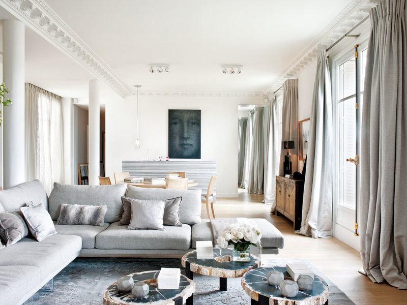Современные парижские квартиры в стиле ампир – это чистые, наполненные светом пространства, функциональные и уютные одновременно.