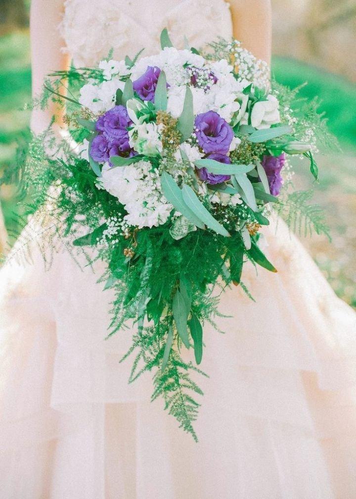 Букет роз, свадебные букеты хвостом