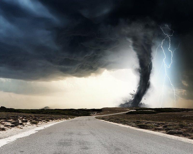 Фантастическое зрелище бушующей стихии.