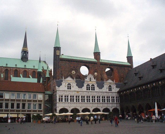 Рыночная площадь и Ратуша в Любеке