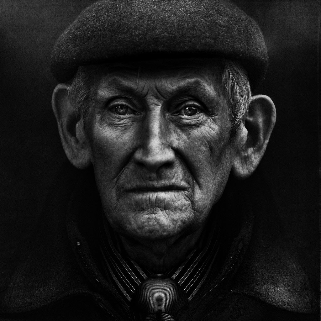 шесть фото старых людей в черном фоне этого проведение