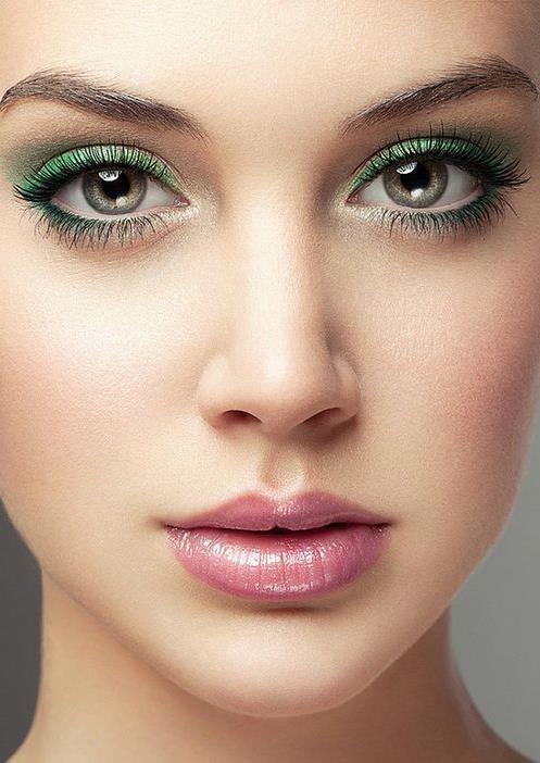 Прически для зеленых глаз фото