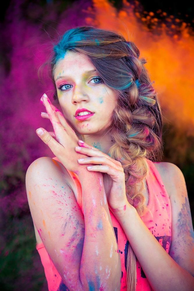 осуществить, необходимо фотосессия с красками холи наиболее