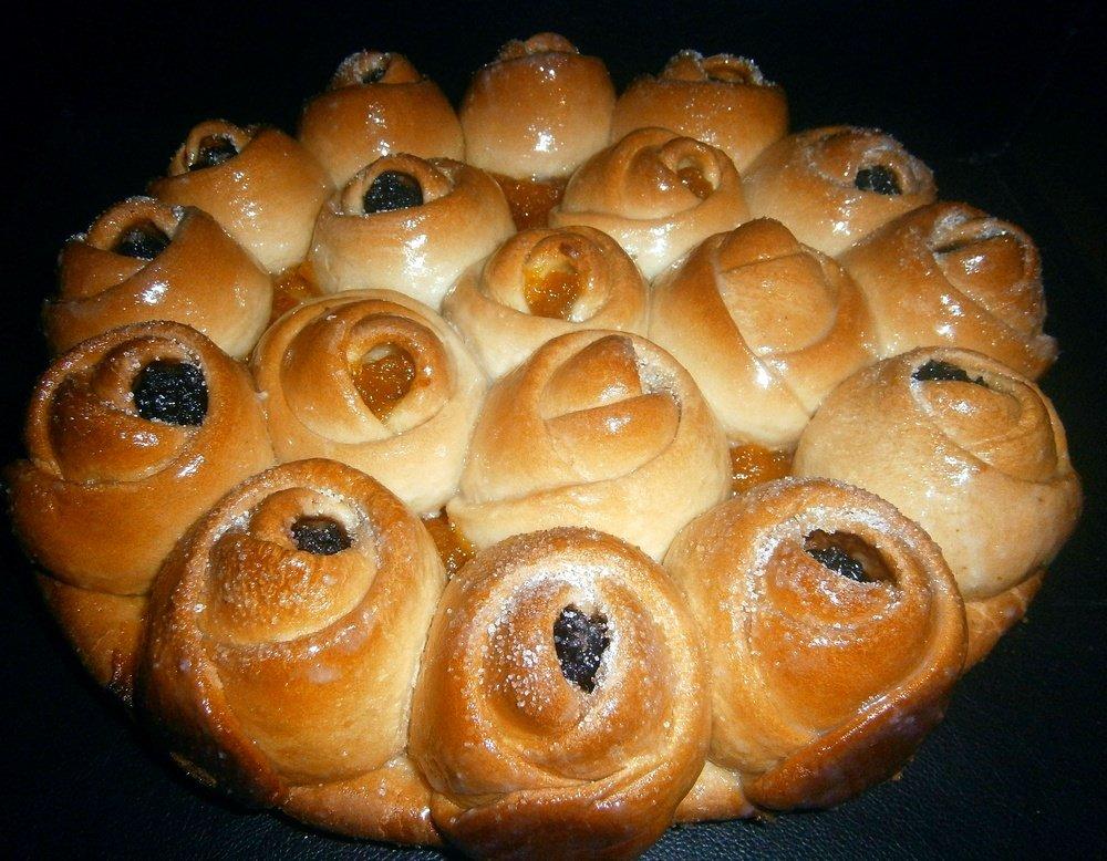 Оформление пирожков из дрожжевого с изюмом фото