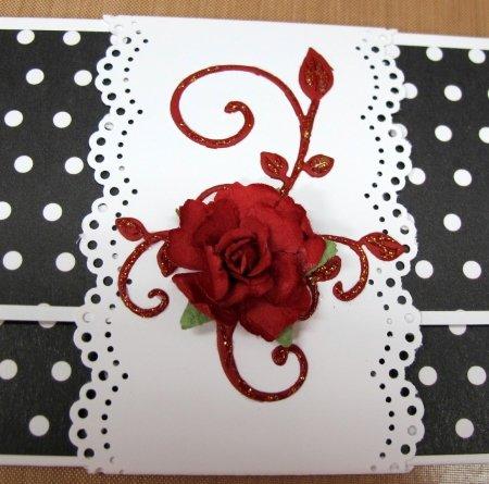 С помощью наших уроков Вы можете самостоятельно сделать подарочные конверты для денег и любых других ценных бумаг. Пошаговые инструкции снабженные фотографиями не оставят у вас вопросов. Здесь вы можете получить идеи конвертов для мужчины, на свадьбу, на юбилей, для девушки и на любые другие случаи.