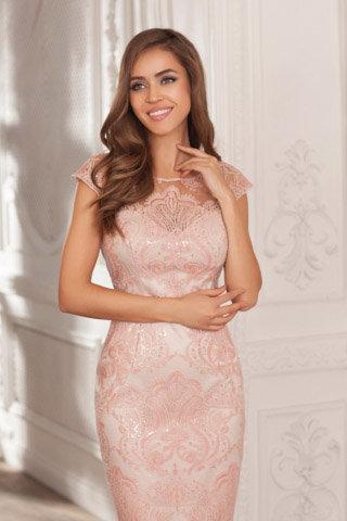 Дизайнерские вечерние платья в Москве  купить пошить салон Red in White b56b20c0d47
