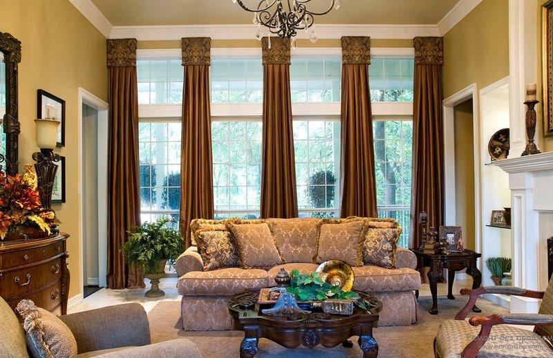 Коричневые шторы для гостиной. Викторианский стиль