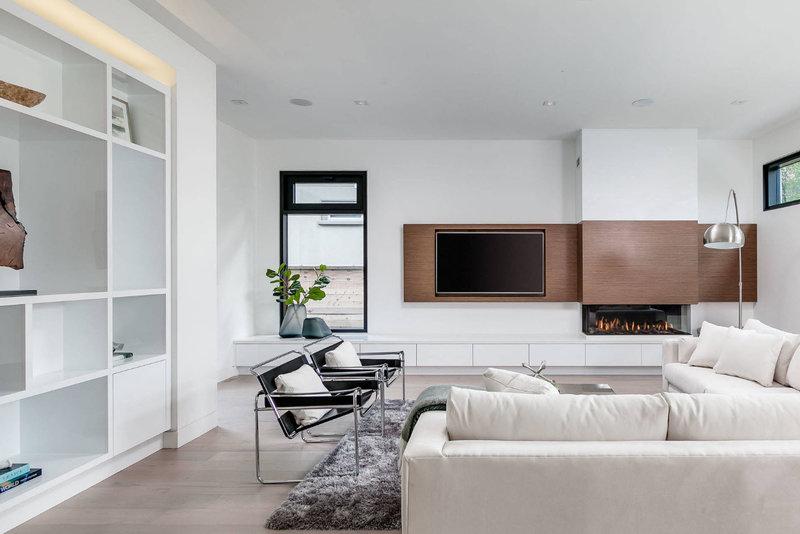 белая гостиная в современном стиле фото