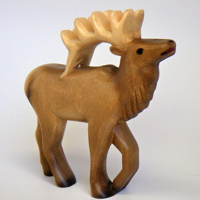 Красивые фигуры животных из дерева картинки